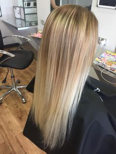 1d2e5d3449 what a stunning blonde from Jess! using goldwell products and Ghd irons