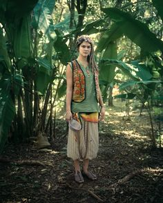 As my Hippie Trails novels contend, hippies came -- and still come -- in all varieties. (People of the Rainbow Gathering) Hippie Style, Bohemian Style, Rainbow Gathering, Hippie Masa, Rainbow Family, Zoot Suits, Book 15 Anos, Hippie Culture, Estilo Hippie