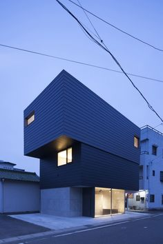 http://www.journal-du-design.fr/architecture/gaze-house-par-apollo-architects-associates-74862/