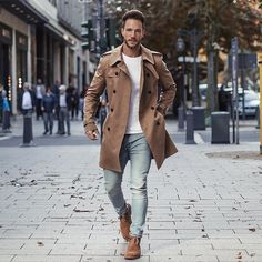 "Polubienia: 40.2 tys., komentarze: 467 – Daniel (@magic_fox) na Instagramie: ""Fall & Trenchcoats 😊👍🏻🍂🍁 Have a good day guys! –––––––––– #düsseldorf"""