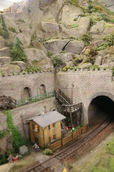 Train Ho, Train Tunnel, N Scale Trains, Hobby Trains, Real Model, Model Train Layouts, Small World, Model Trains, Scale Models