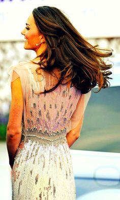 I want Kate Middleton hair!!