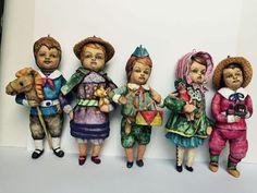 Купить или заказать Набор ватных елочных игрушек в интернет-магазине на Ярмарке Мастеров. Набор из 5-ти елочных игрушек, стилизованных под старину, ватное папье-маше. Личики из флюмо. Отлично проработаны детали, качественно, детально расписаны. Возможно создать любые детские образы по желанию заказчика.