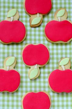 hello naomi: apple cookies!