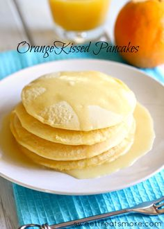Orange Kissed Pancakes with a Buttery Orange Glaze. sooooooo perrrrrfect to compliment your fab egg dishes for your fabulous brunch or breakfast! What's For Breakfast, Breakfast Pancakes, Breakfast Dishes, Breakfast Recipes, Pancakes Easy, Crepes, Brunch Recipes, Sweet Recipes, Sweet Light