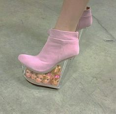 Discovered by Find images and videos about pink, grunge and blue on We Heart It - the app to get lost in what you love. Cute Shoes, Me Too Shoes, Diy Vintage, We Wear, How To Wear, 90s Aesthetic, Sexy High Heels, Foto E Video, Pretty In Pink