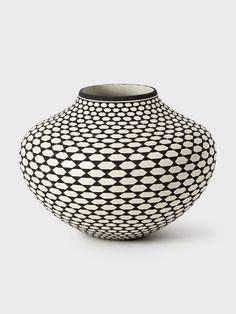 Acoma Pot by Paula Estevan | DARA Artisans