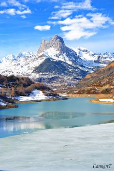 Panoramio - Photo of Peña Foratata, (Lanuza) **Huesca** Places Around The World, The Places Youll Go, Places To Visit, Around The Worlds, Mountain Photography, Travel Photography, Beautiful World, Beautiful Places, Spain And Portugal