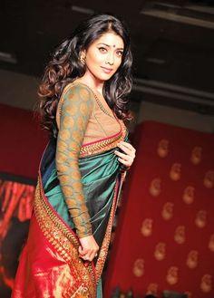 7450b1f4d92f2 Tamil Actress Shriya Saran At Sabyasachi Mukherjee Chennai Handloom Fashion  Show Sabyasachi