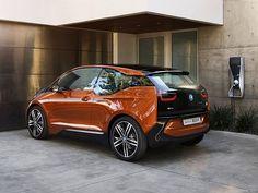 Primul automobil electric BMW. Vezi cât costă! http://www.ziarulactualitatea.ro/eveniment/primul-automobil-electric-bmw-vezi-cat-costa/