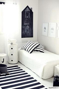 lastenhuone,mustavalkoinen,pojan huone,liitutaulu,componibili