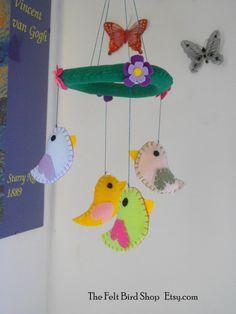 Giostrina con uccellini in feltro. Giostrina di TheFeltBirdShop