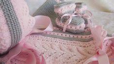 En Rosa y  Gris   No pensé que quedaría tan bonito este conjunto en estos colores, pero resulta muy refinado la combinación de estos tonos. ...
