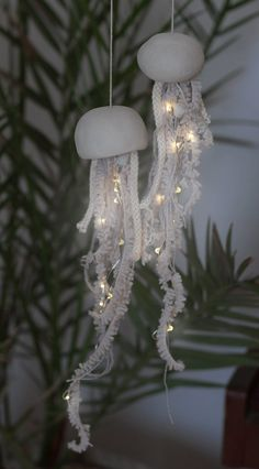 Pack Of 3 Sets Waterproof Fairy Copper String Lights Battery Operated For… - Pack of 3 sets Waterpro Jellyfish Light, Pink Jellyfish, Jellyfish Facts, Jellyfish Drawing, Jellyfish Aquarium, Jellyfish Painting, Diy Bird Feeder, Ideias Diy, String Lights Outdoor