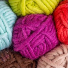 For super-fast crafting, our super bulky Tuff Puff will have you completing projects in no time! Vibrant colors, softness, and the resilience of wool make Tuff Puff a large gauge favorite. Chunky Crochet, Chunky Yarn, Crochet Yarn, Free Crochet, Knitting Patterns Free, Free Knitting, Free Pattern, Arm Knitting Yarn, Royal Purple Color