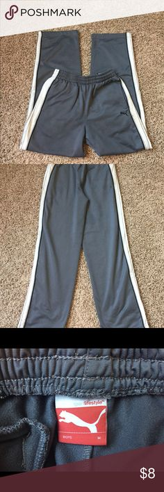 Boys Puma Athletic Pants Size Medium Preowned athletic pants. Back pocket has Velcro closing. Side slit pockets. Loose thread on one leg hem. No other flaws noted. Size Medium. Smoke free home. Puma Bottoms Sweatpants & Joggers