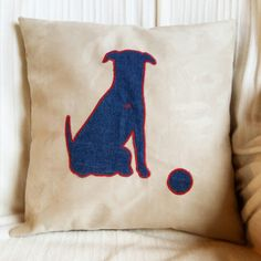 Kissen mit Hundeapplikation Diy, Applique Pillows, Pet Dogs, Bricolage, Do It Yourself, Homemade, Diys, Crafting