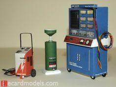 1/18 Automotive & Garage Diorama Accessories Paper Model