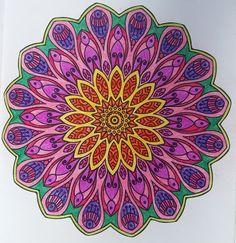 Mandala kirjasta: Väritä itsellesi mielenrauhaa Beach Mat, Mario, Outdoor Blanket, Tapestry, Tattoo, Crafts, Painting, Decor, Hanging Tapestry