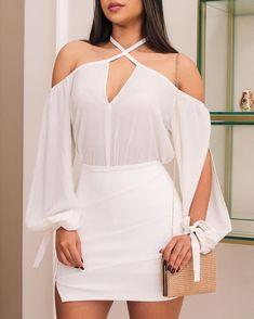 Blusa com recortes Short saia = Aquele look pra vida toda. Women's Fashion Dresses, Sexy Dresses, Casual Dresses, Short Dresses, Casual Outfits, Summer Outfits, Vetement Fashion, White Outfits, African Fashion