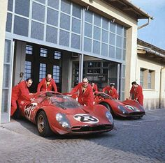 Ferrari 330P3 (No23) of Chris Amon / Lorenzo Bandini & the Ferrari 330P4 (No.24) of Mike Parkes / Ludovico Scarfiotti