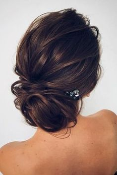 penteados-para-madrinha-de-casamento- preso simples