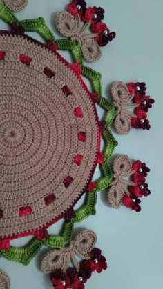 Crochet Squares, Crochet Blanket Patterns, Mehndi Art Designs, Christmas Crochet Patterns, Tornados, Knitting, Crochet Table Runner, Centipedes, Crochet Beach Bags