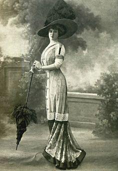 Robe d'après-midi par Laferriere, 1910