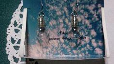 電球のピアス(880円)です     福井県のハンドメイド雑貨のお店屋さん『haco』さんに納品しま...