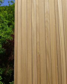 Gevelbekleding FSC: Ayous thermo - Referenties - Eurabo Wooden Facade, Timber Cladding, Fence Gate, Go Outside, Interior Architecture, Terrace, Home And Garden, Landscape, Kindergarten
