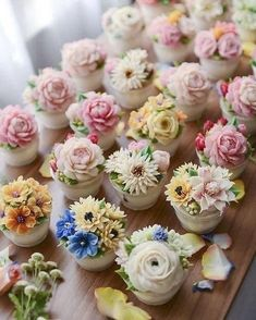 Mini cakes goat-zucchini and ricotta-spinach - Clean Eating Snacks Beautiful Cupcakes, Gorgeous Cakes, Pretty Cakes, Amazing Cakes, Cupcakes Flores, Floral Cupcakes, Cupcake Bouquets, Bolo Floral, Floral Cake