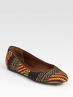 LOVE these Burberry Raffia and Leather Ballet Flats