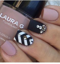 It's crazy the talent some ladies have with nail art. My all time favorite is of course matte nail art designs but in this list of 10 jaw dropping nail art designs you're sure to find something you'll absolutely love!