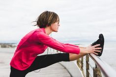 6 stretches every runner should do before and after a workout