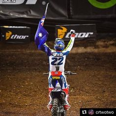 Today is all about Chad Reed! Thank you for the show in Glendale  #dwbtoftshit @crtwotwo #amasupercross #sxonfox