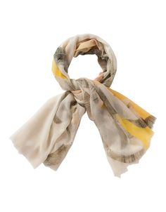 Scarf Aneverending. Light shawl in a very lovely wool quality.
