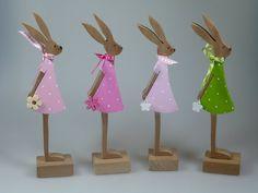 Figuren aus Holz - Kleine Hasen - von mw-holzkunst auf DaWanda.com