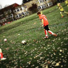 Gut wenn der Gegner schwarz-gelbe Trikots hat. #FussballMitBiss #proDente #Soccer #Fussball #Bochum #Sponsoring #Jugendfussball #Fußball #Zahnrettungsbox #Zähne #Zahnunfall #Bochum #SCWeitmar45 #Match #tabellennachbar