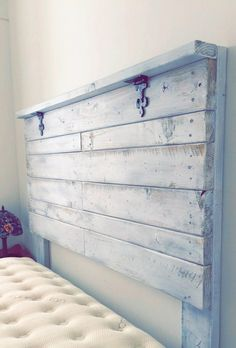 This rustic wood headboard is made with love and perfect for turning any room into your personal sanctuary. The fleur de lise hinges add a nice Southern touch to it! Our headboards mount to the wall v Rustic Headboard Diy, Diy Headboards, Diy King Headboard, Farmhouse Headboards, Bedroom Rustic, Handmade Headboards, Reclaimed Wood Headboard, Headboard Pallet, Shiplap Headboard