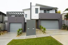 N & B RUSSELL BUILDING: Merewether Duplex