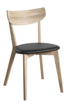 AMI är en stol i whitewash ek med sits i svart konstläder. Lättplacerad stol som passar utmärkt ihop med t ex Yumi matbord.