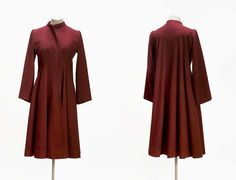 """Woman's """"Pyramid"""" coat  American about 1946 Artist Charles James (American (born in England), 1906–1978)  ACCESSION NUMBER 2000.1011  MEDIUM OR TECHNIQUE Wool broadcloth, silk satin lining 