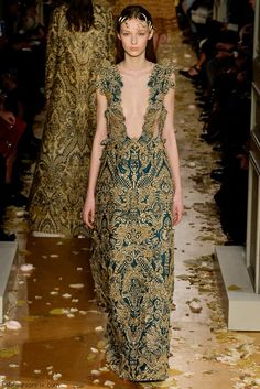 Valentino Haute Couture spring/summer 2016 Collection. #couture #valentino