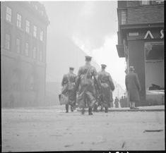 Helsingissä Fredrikin- ja Lönnrothikadun kulmaus. (1939-11-30 SA-kuva)