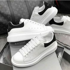 Alexandra McQueen Cost : only Available in different sizes and color. Comes with full Box 📦. Alexander Mcqueen Schuhe, Sneakers Fashion, Fashion Shoes, Asics Fashion, Look Legging, Zapatillas Casual, Nike Air Shoes, Shoes Sport, Fresh Shoes