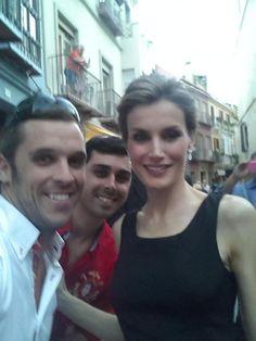 05/09/2014.- Los reyes Felipe y Letizia visitan el museo Picasso de Málaga. Selfie con la reina.