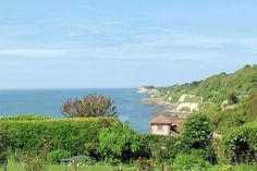 Lovely ground floor apartment close to beach Holiday Accommodation, Al Fresco Dining, Isle Of Wight, Ground Floor, Beach, Water, Travel, Outdoor, Gripe Water