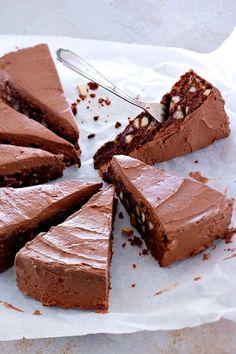 Schokokuchen mit doppelt Schoki! Health Desserts, Sweet Pie, Fancy Cakes, Strudel, Chocolate Recipes, Sweet Recipes, Cake Recipes, Eat Cake, Wordpress