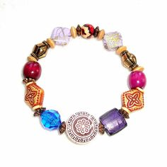 This boho-style bracelet in eclectic Autumn colors features an assortment of chunky beads in varying sizes and shapes with coppery accents. Chunky Beads, Fashion Bracelets, Handicraft, Boho Fashion, Autumn, Colors, Etsy, Jewelry, Style