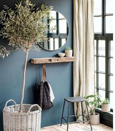 Simple rustic interior design with indoor planting and linen decor – Haus Dekoration Diy Decor Room, Living Room Decor, Bedroom Decor, Entryway Decor, Rustic Entryway, Entryway Ideas, Bedroom Ideas, Bedroom Colors, Dining Room